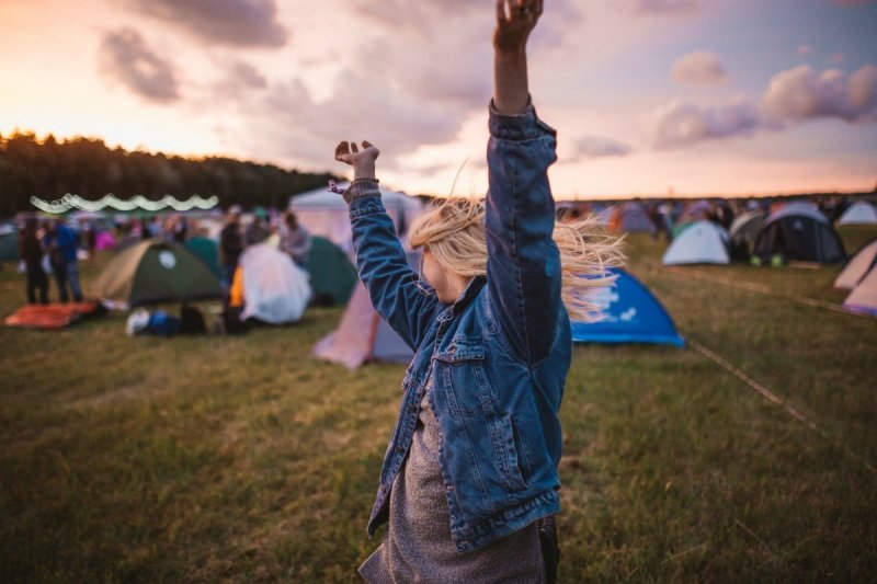 first-timers Glastonbury guide krists-luhaers-582238-unsplash