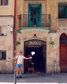 Best brunch in Barcelona @minkaguides Tropico exterior