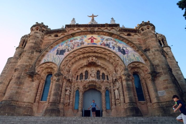Things to do in Barcelona @minkaguides Mount Tibidabo church