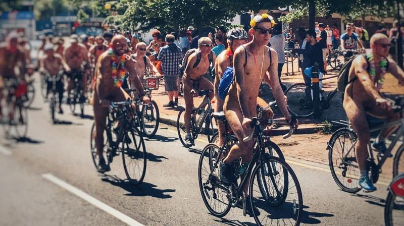 Things to do in London this summer @korybalski World Naked Bike Ride London