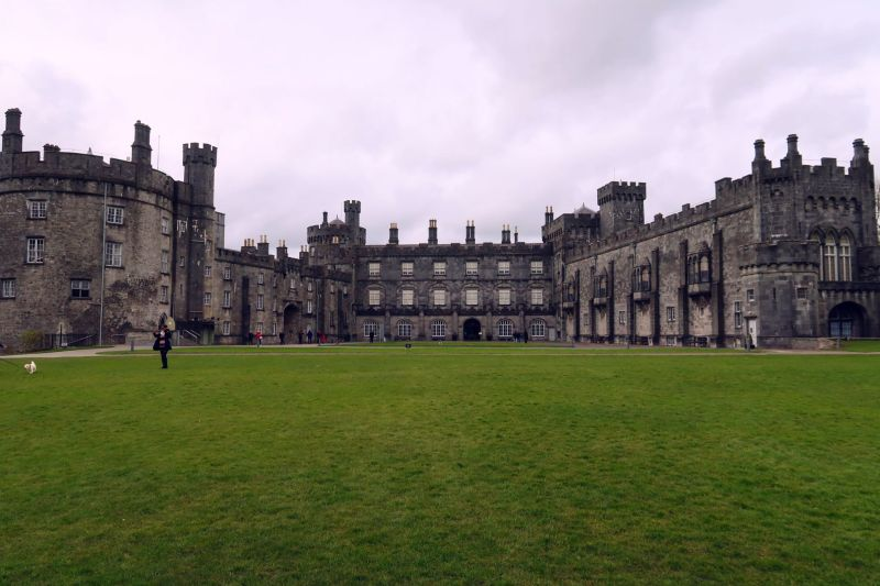 Wicklow Mountains day trip from Dublin @minkaguides Kilkenny Castle 2