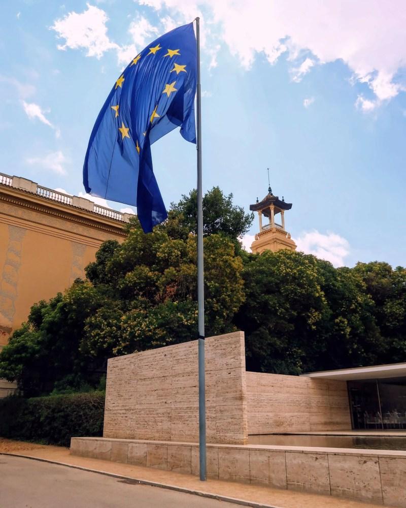 United Kingdom travel @minkaguides EU flag