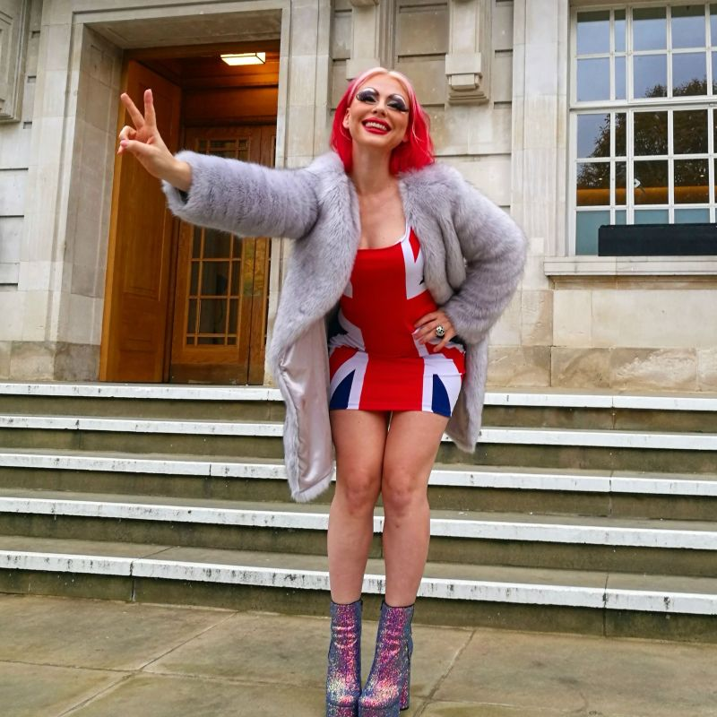 United Kingdom travel @minkaguides Union Jack dress