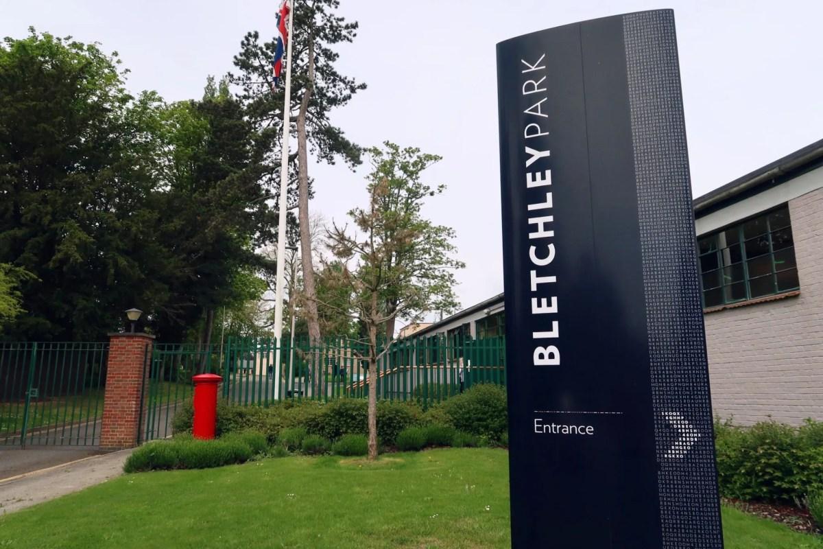 Bletchley Park Museum entrance CREDIT_ © Minka Guides