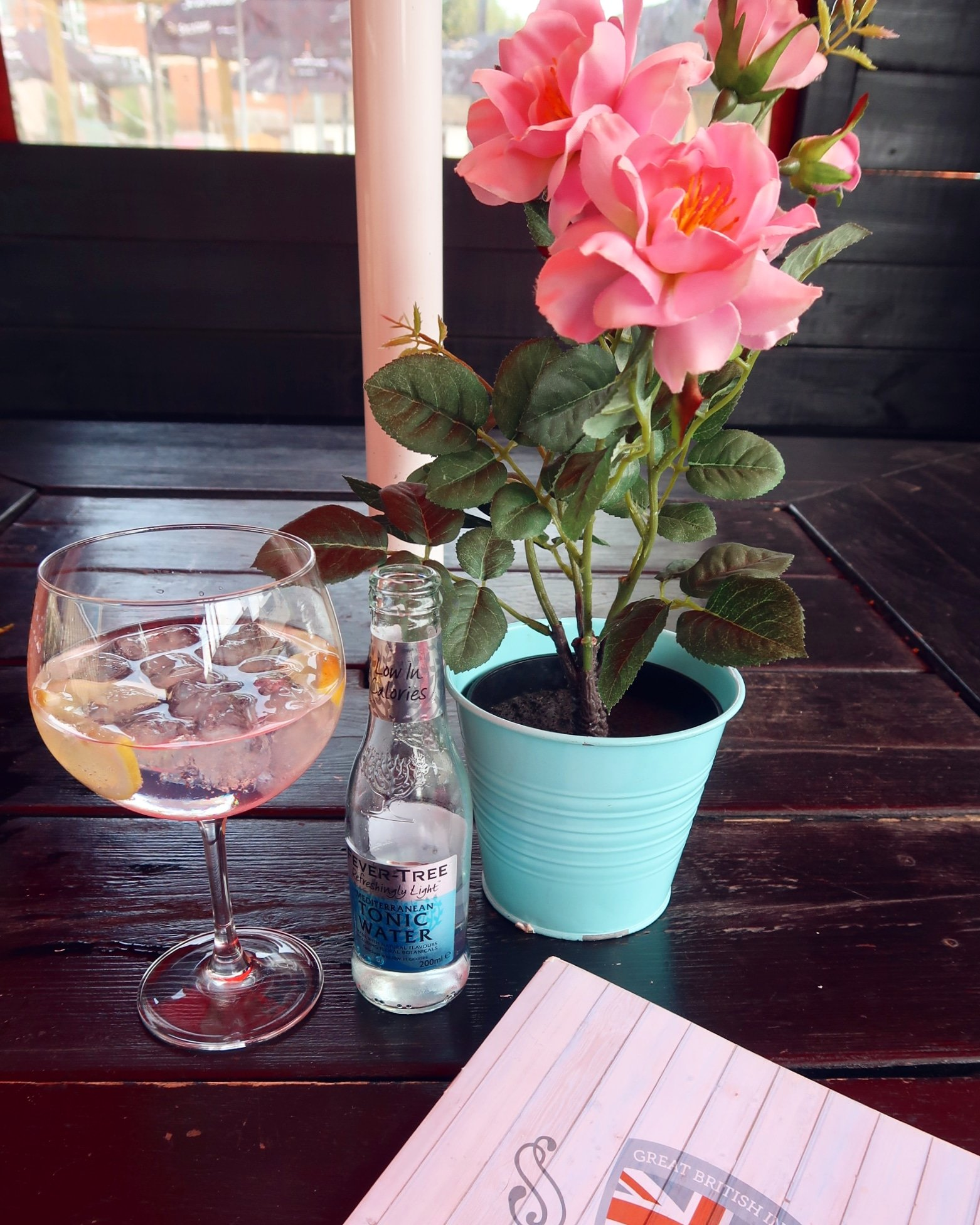 Things to do near Bletchley Park The Three Trees gin and tonic CREDIT_ © Minka Guides