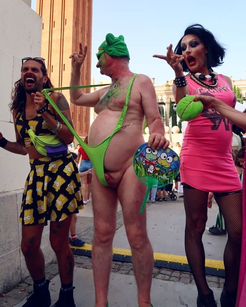 Doing drag at Barcelona Pride - Jono Kitchens and Robyn Withawhy CREDIT Minka Guides