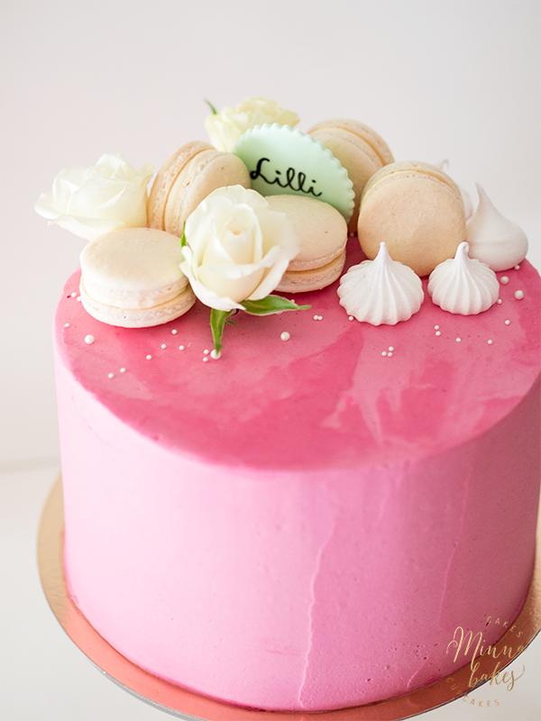tilaa ristiäisiin kakku jyväskylä
