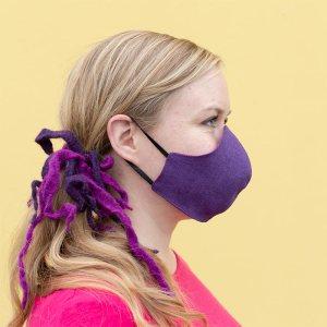 Violetti-pinkki pellavainen kangasmaski, kaksipuolinen ja kaksinkertainen, kuminauhakiinnityksellä