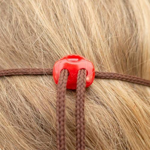 Kasvomaskin kiinnitys stoppareilla, ei paina korvia. Kaksinkertaista pellavaa, punainen.