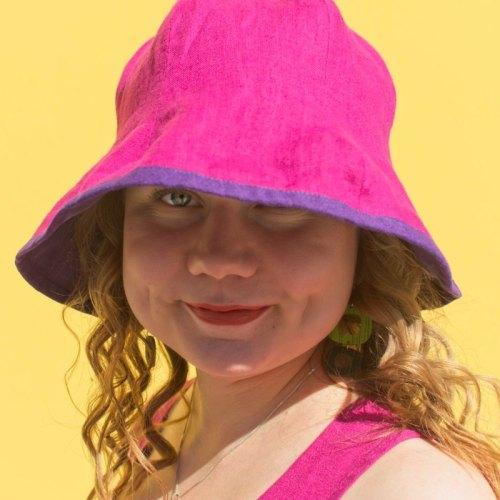 Pinkki-violetti pellavahattu, lierillinen käännettävä kesähattu
