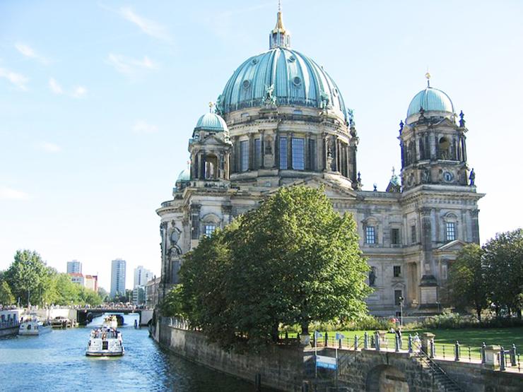 Berlin Travador