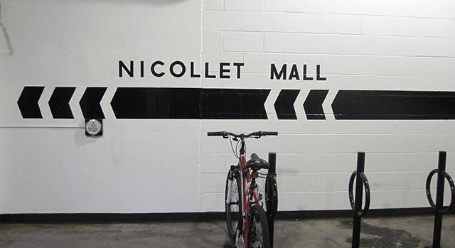 nicollet mall sign