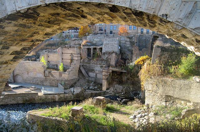photo of the ruins under and archway