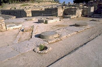 Phaistos: The Monumental Propylaia