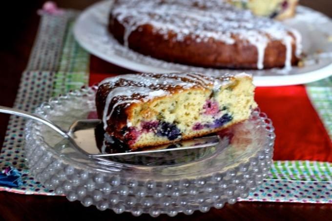 berry merry coffee cake