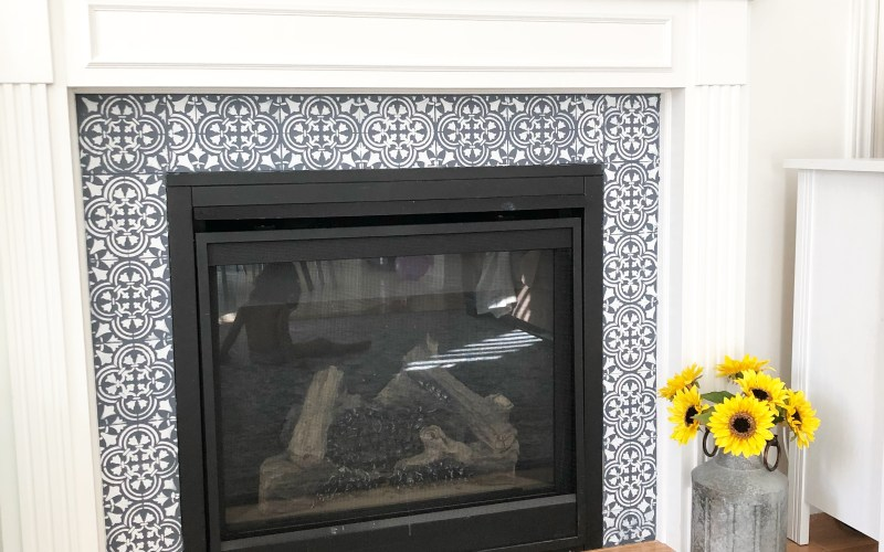 Stencilled Fireplace Makeover