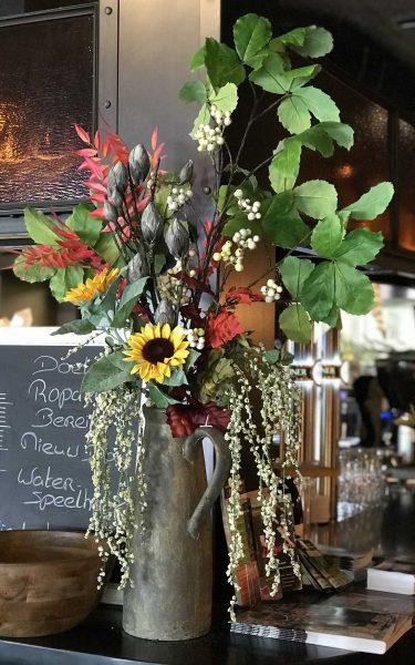 Mint en Mimosa bloemen wisselservice restaurants