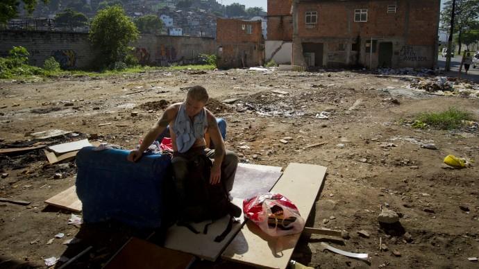 https://i0.wp.com/www.mintpress.net/wp-content/uploads/2012/08/olympic-homeless-690x388.jpg