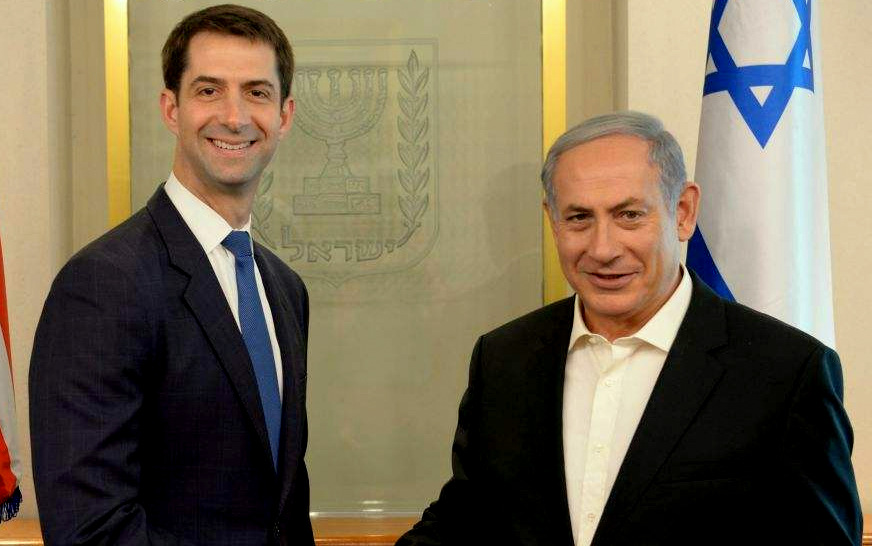 Sen. Tom Cotton with PM Netanyahu in his Jerusalem office, September 31, 2015 (Amos Ben Gershom/GPO)