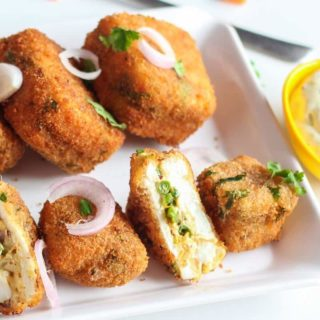 Veg Paneer Cheese Bites With Mayo Dip
