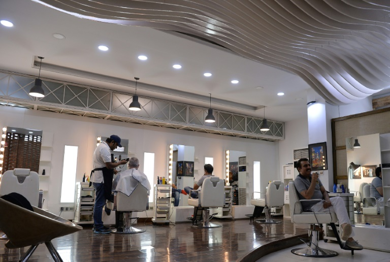 Au salon de beauté Men's à Islamabad, le 12 octobre 2017