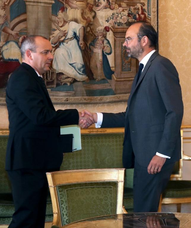 Le secrétaire général de la CFDT, Laurent Berger (à g) a rencontré le Premier ministre Edouard Philippe à Matignon à Paris le 25 mai 2018