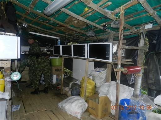 DSCN54081 Cuarta Brigada ubicó y destruyó un cristalizadero de coca en El Peñol
