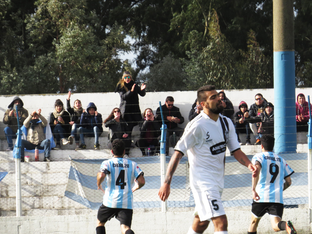 Racing igualó por intermedio de Nahuel Glorioso.