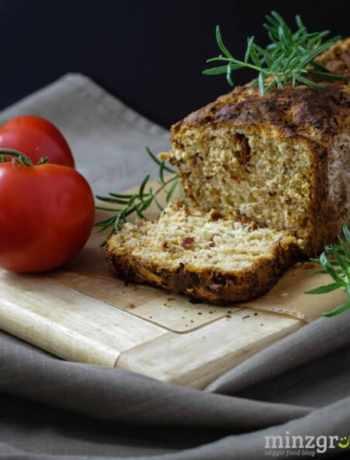 tomaten-rosmarin-brot