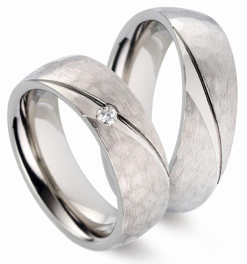 Trauringe Titanfactory Damenring mit 1 Diamanten und