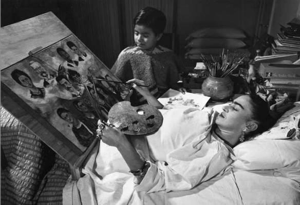 Frida Kahlo en la cama