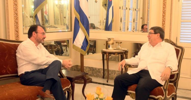 Canciller mexicano viajó a Cuba en busca de solución para Venezuela