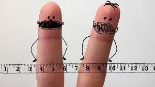 マスクをした指人形