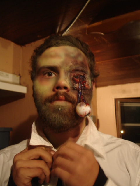 sfx makeup, special effects make up, horror, gore, trauma, wounds, prosthetic, latex, missing eye, eye hanging out