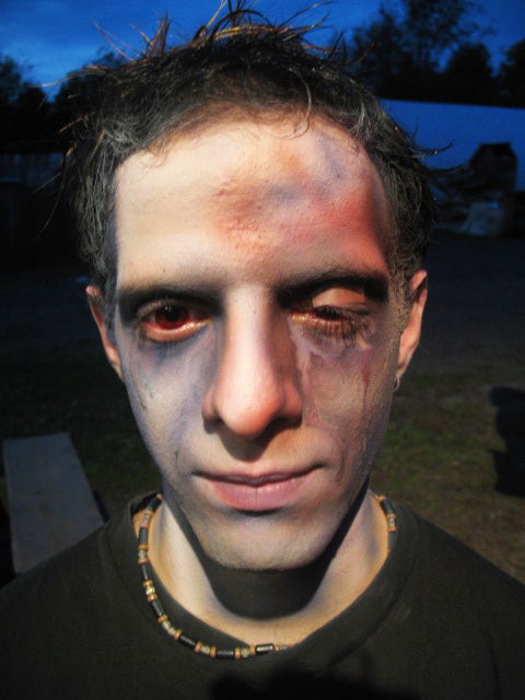 sfx makeup, special effects make up, horror, gore, trauma, wounds, swollen eye, airbrush, black eye