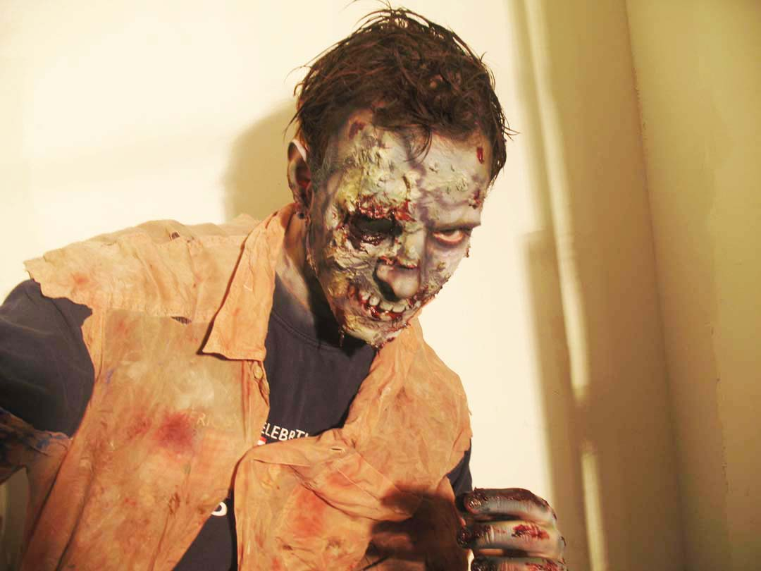 sfx make up, special effects make up, horror, gore, zombie, airbrush, liquid latex, missing eye