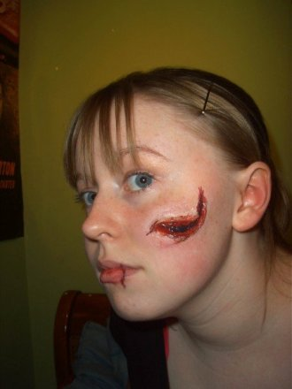 trauma, wound, sfx make up, special effects makeup, horror, gore, laceration, wax, liquid latex, blood
