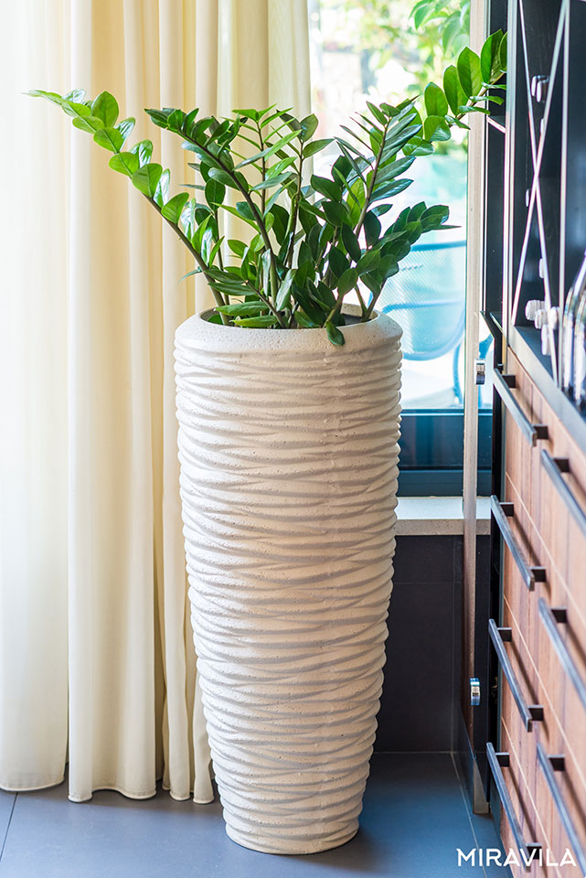 Include solo vasi, non mazzi di fiori vaso semplice e bello, perfetto per composizioni floreali fresche, rami. Vasi Moderni Progresso E Natura Al Tempo Stesso Miravila