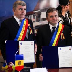 Mediasul s-a infratit cu orasul Cricova