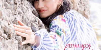 Concurs: Castiga un album cu Stefania Iacob