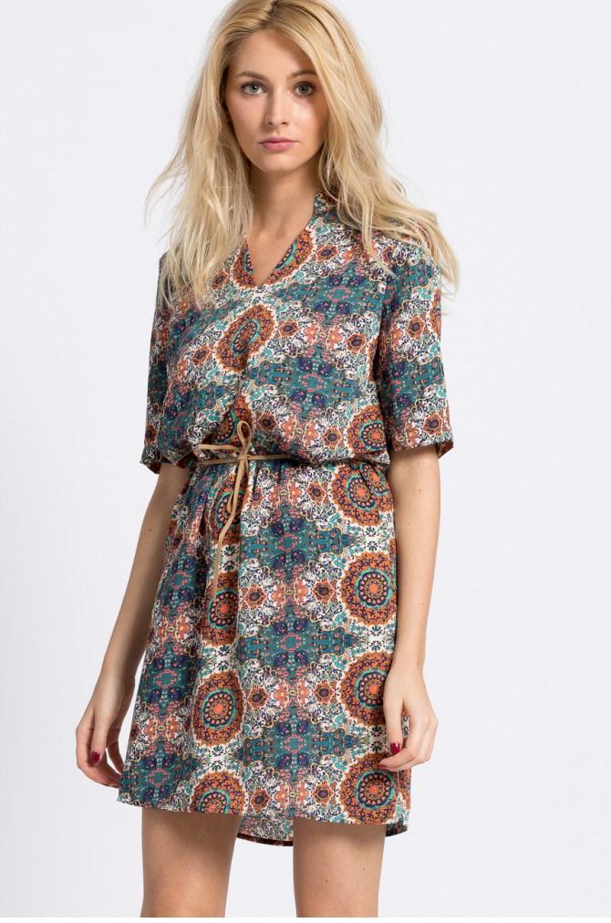 Šaty a tuniky Casual (pro každý den) - Vero Moda - Šaty