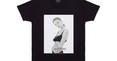 Značka Calvin Klein vydala trička s fotografii Kate Moss