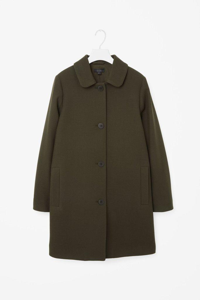 Teplé dámské zimní kabáty v jedné barvě pro inspiraci