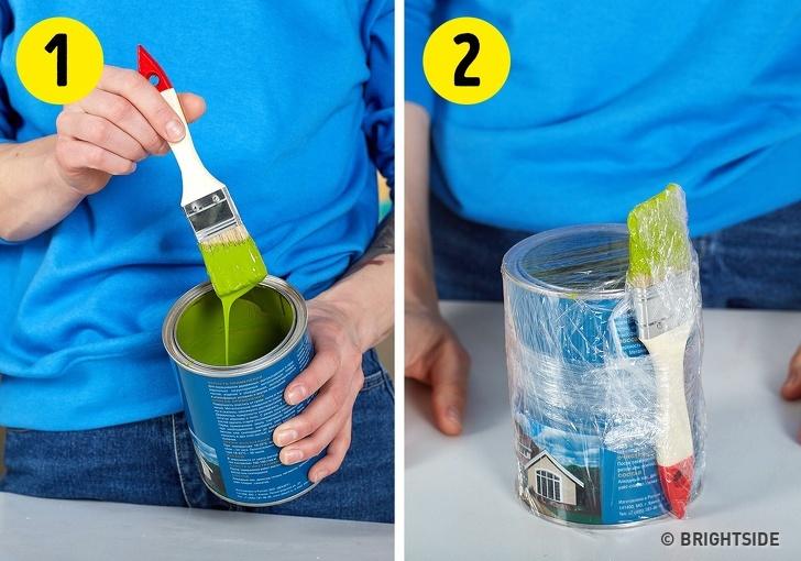 Zabraňte vyschnutí barvy a štětce pomocí folie