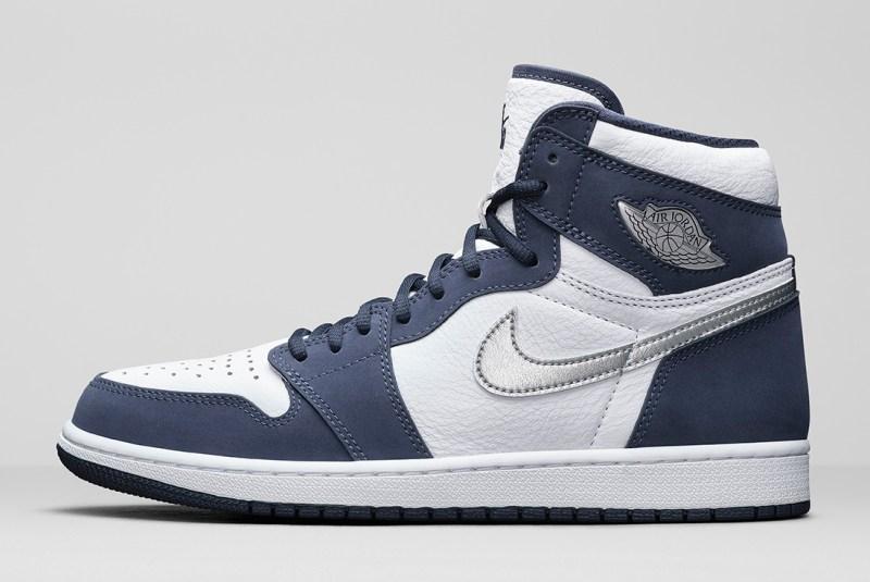 Pánské bílé modré tenisky Air Jordan 1 High OG CO.JP White/Midnight Navy-Metallic Silver DC1788-100 kožené kotníkové boty a obuv Jordan