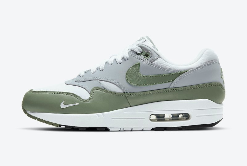 Pánské bílé zelené tenisky a botasky Nike Air Max 1 White/Spiral Sage-Wolf Grey-Black DB5074-100 nízké sportovní boty a obuv Nike