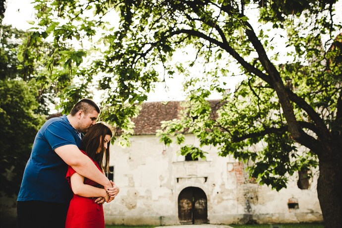 romantic engagement session at erdödy castle park mirela bauer photo