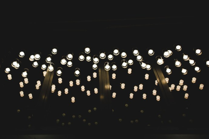 image shows budapest light bulbs of a bar mirela bauer photo
