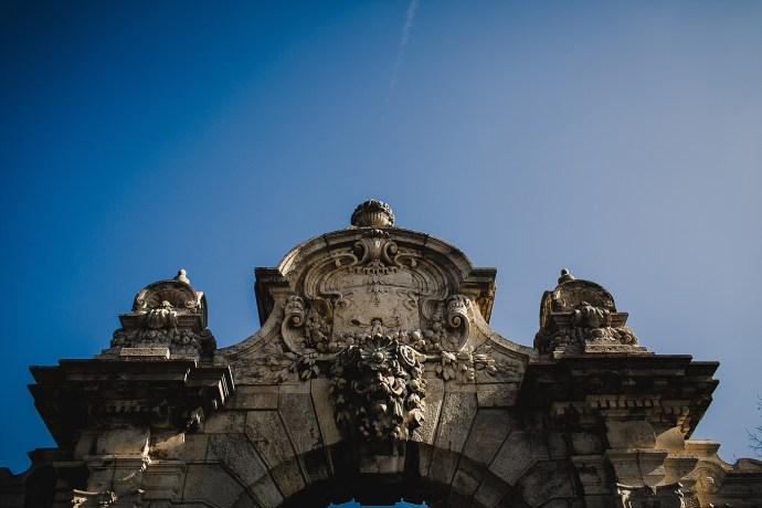 image shows budapest monument mirela bauer photo