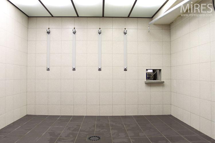 Public shower C0437  Mires Paris